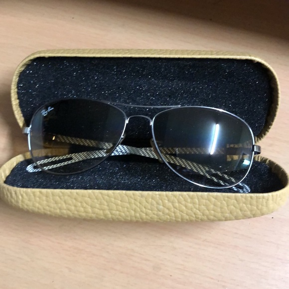 RayBan Sunglasses 🤓 with Case